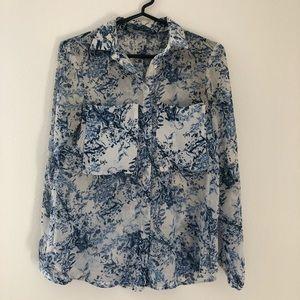 ✨Porcelain light silk blouse